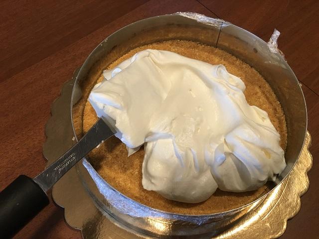 preparazione-torta-cornetto-cuore-di-panna (3)