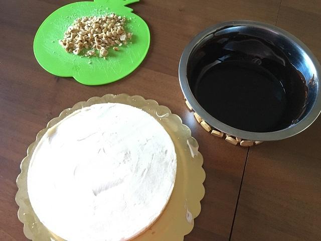 preparazione-torta-cornetto-cuore-di-panna (5)