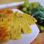 Pan brioche salato con pancetta affumicata e piselli