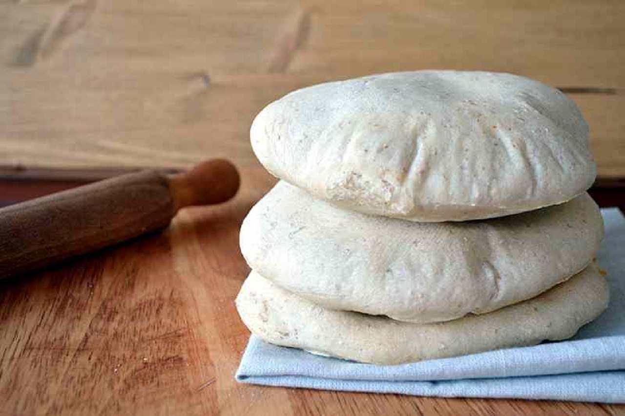Pita, il pane arabo ideale per essere farcito