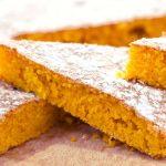 Torta di carote e mandorle per la colazione perfetta