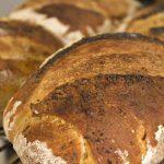 Pane con lievito madre, fragranza dal forno di casa