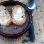 Zuppa di cipolle, un piatto povero ma ricco