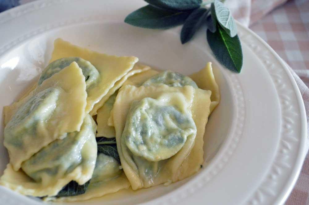 Ravioli ricotta e spinaci fatti in casa con la ricetta semplice