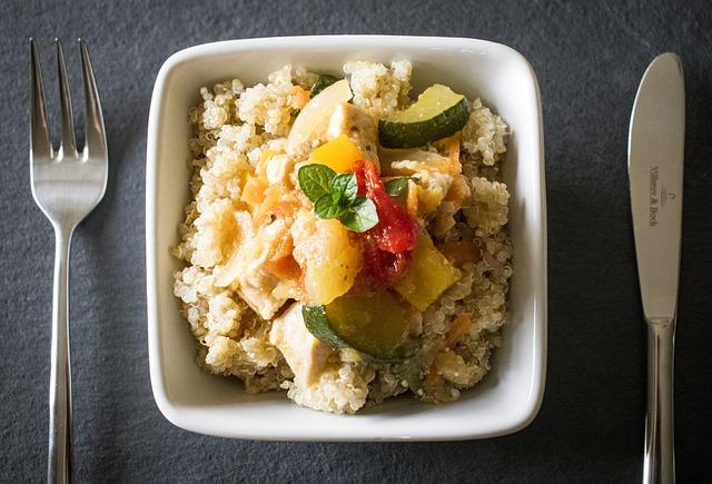 ricette quinoa insalata pollo