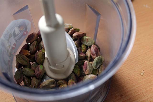 pistacchi nel mixer