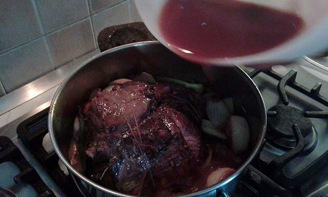 aggiunta vino e sale