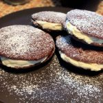 Whoopie pie, soffici tortine al cacao farcite