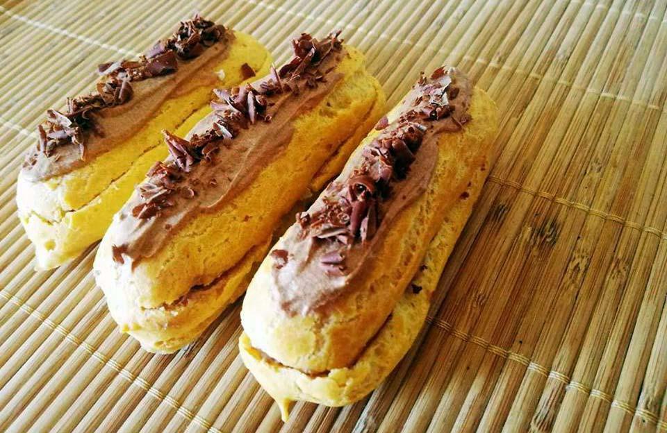 eclairs panna e cioccolato