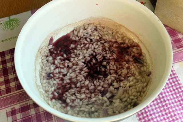 sfumare il risotto con il vino