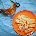 Chiacchiere con 2 ingredienti [Video Ricetta]