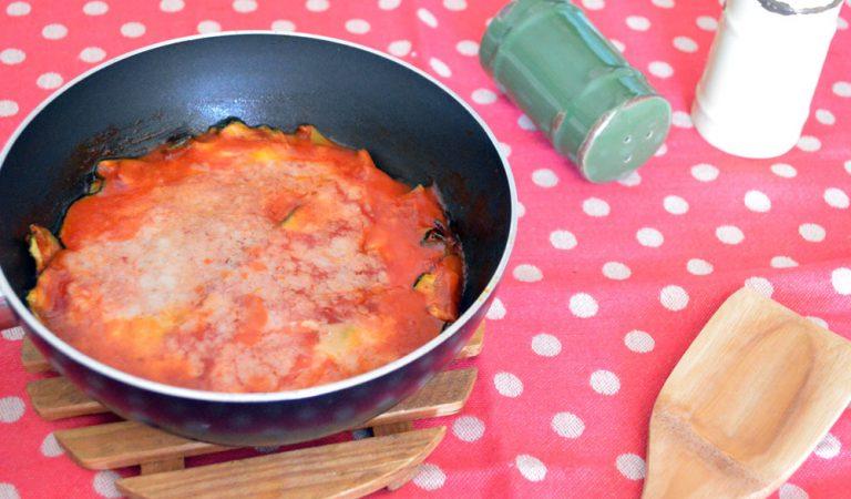 Parmigiana di zucchine, leggera e in padella