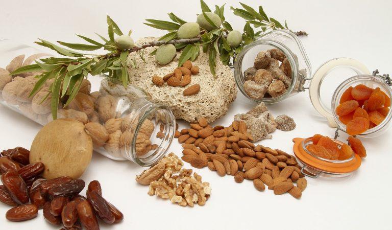 Frutta secca: proprietà, calorie e benefici